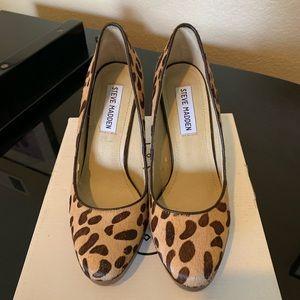 Steve Madden leopard pumps heels